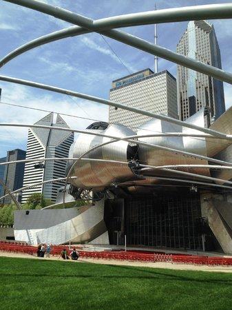Chicago skyline from Jay Pritzker Pavilion