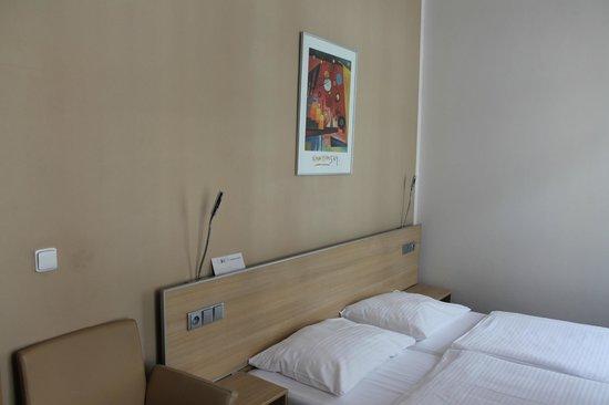 BEST WESTERN Hotel Pav: Habitación 2