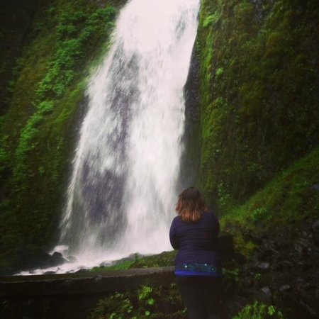 Columbia River Gorge National Scenic Area : One of the many beautiful waterfalls