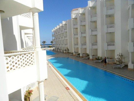 Golden 5 Emerald Resort: Вид с нашего номера