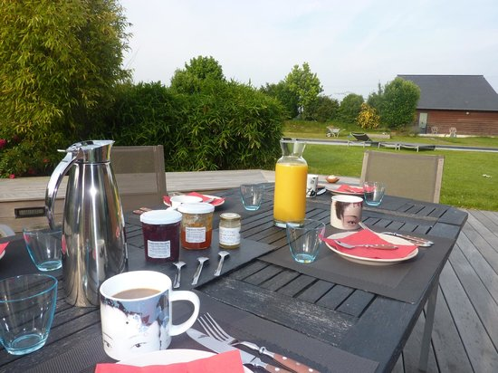 Beehome Guest House: Breakfast every morning