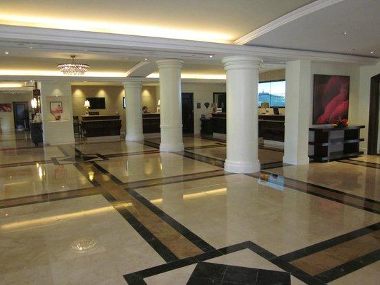 InterContinental San Juan: hotel lobby