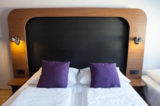 3-bett zimmer - picture of aletto hotel kudamm, berlin - tripadvisor, Hause deko
