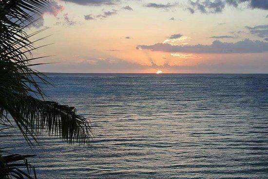 Beachcomber Dinarobin Hotel Golf & Spa : Ocean view from the Senior Suite terrace