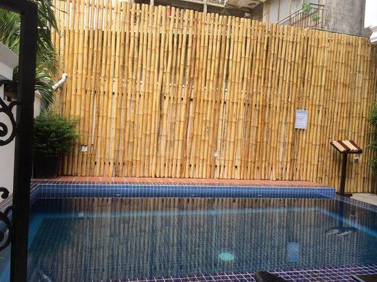 KhaVi Villa: Swimming pool