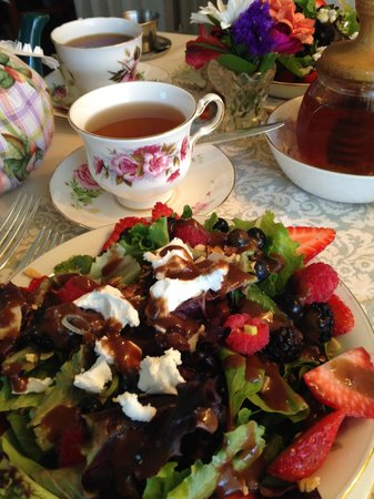 Teaberry's Tea Room : Kyoto Cherry Rose Tea and Berry Salad