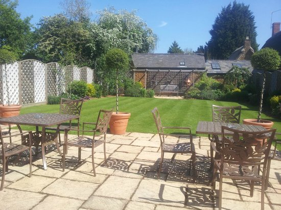 BEST WESTERN PLUS Wroxton House Hotel: Broughton Room Private Garden