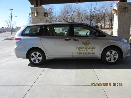 Parkwood Inn & Suites: Complimentary Shuttle Van Service to airport and MHK vicinity