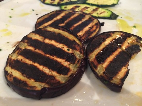 Osteria Mocenigo da Guido e Luca : Very burnt veggies. Presented on the other side where they weren't as burnt so we flipped them o