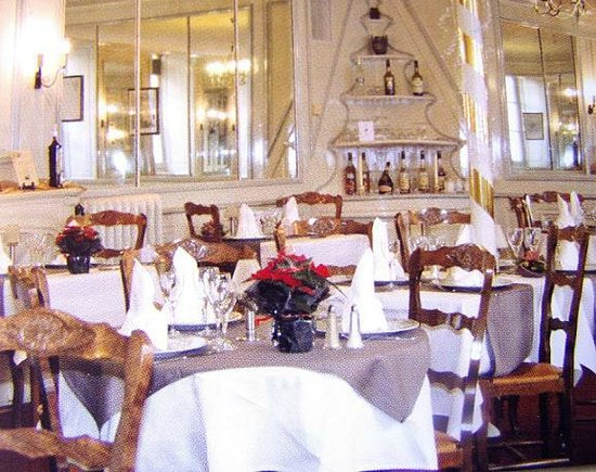 Logis Grand Hotel du Louvre