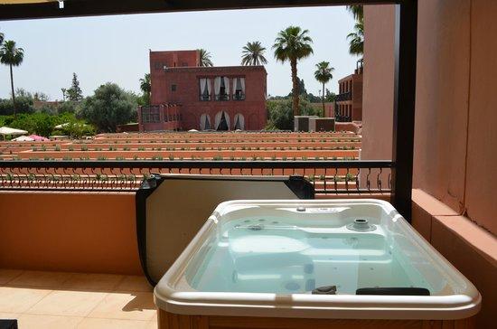 TUI SENSIMAR Medina Gardens: Jacuzzi on Balcony