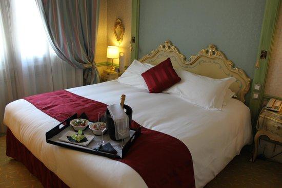Hotel Papadopoli Venezia MGallery by Sofitel: Chambre