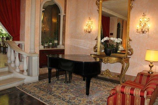 Hotel Papadopoli Venezia MGallery by Sofitel: Piano