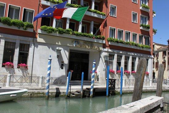 Hotel Papadopoli Venezia MGallery by Sofitel: Entrée
