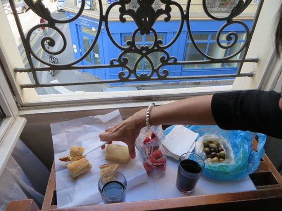 Hotel Saint Christophe: We dined by the window