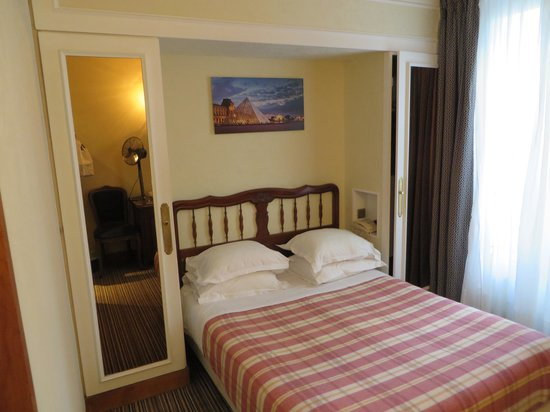 Hotel Saint Christophe: Very comfortable double