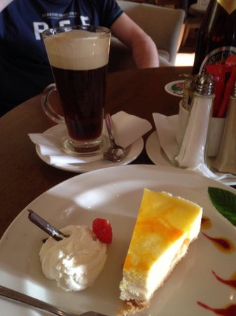 Lough Allen Hotel & Spa : Irish coffee and cheese cake! Yum x