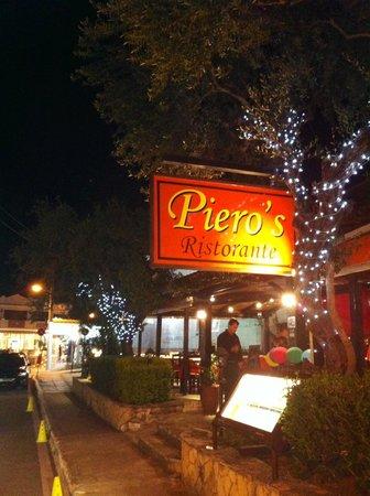 Pieros Restaurant - Bar: Pieros