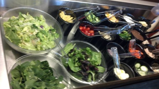 Corner Bistro & Pizza Co: Soup & Salad bar daily