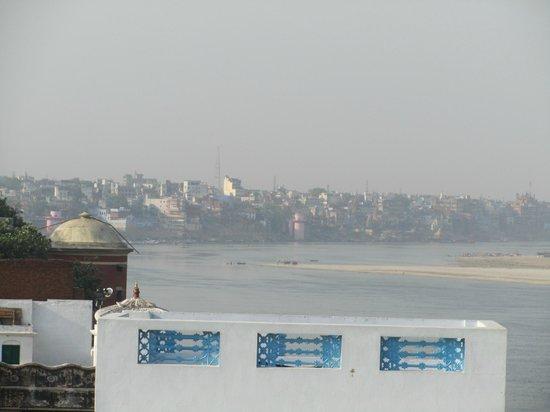 Palace on Ganges: Vanarasi vu de notre terrasse