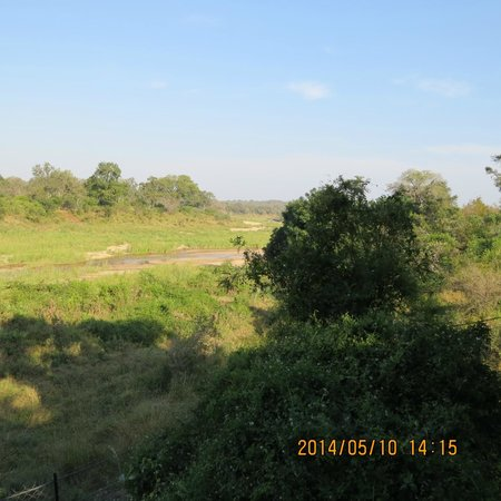 Jock Safari Lodge : View over the river from our room.