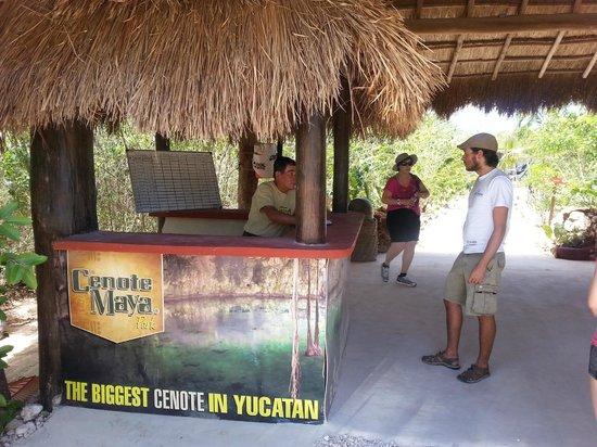 Ek Balam Cenote: Entrée du site