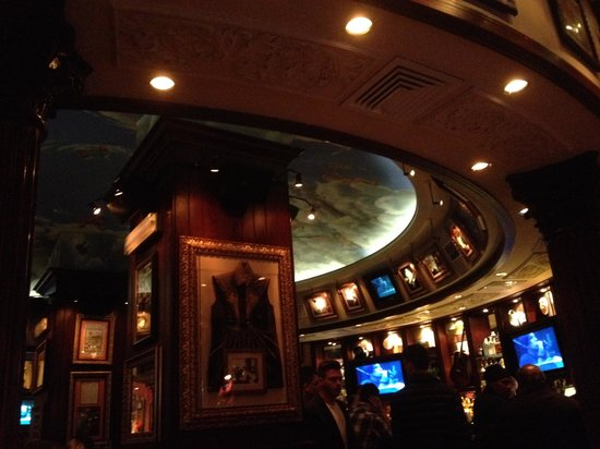 Hard Rock Cafe Rome: Teto pintado