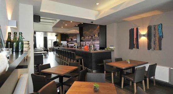 Atelier 84 Hotel & Foodbar: bar