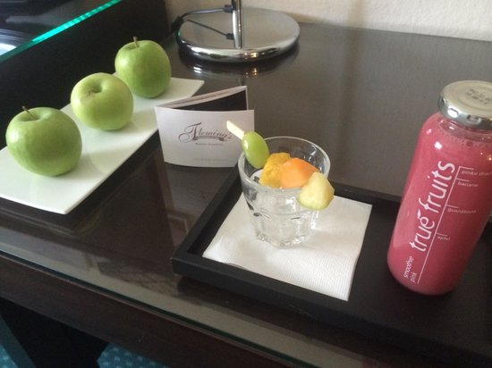 Fleming's Hotel München-Schwabing: Welcome Treatment