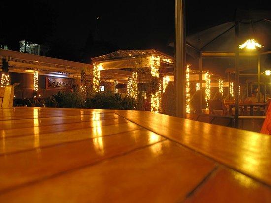 The Valley Resort Hotel: 屋上のレストラン