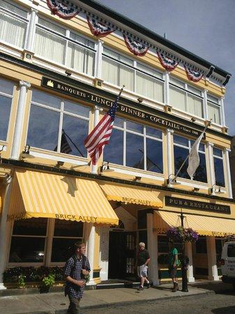 Brick Alley Pub : The restaurant