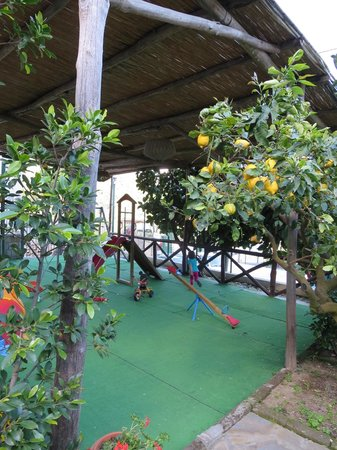 Casale Villarena: Play area for the kids