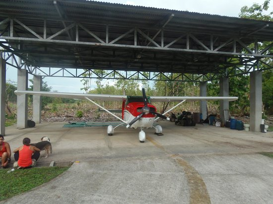 Skydive Costa Rica: CR Tropical Skydiving