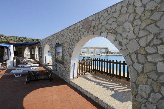 Hotel Ustica Punta Spalmatore: Angolo della piscina