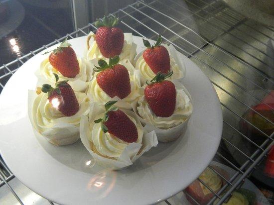هوتل باتييه: Pattee Cakes