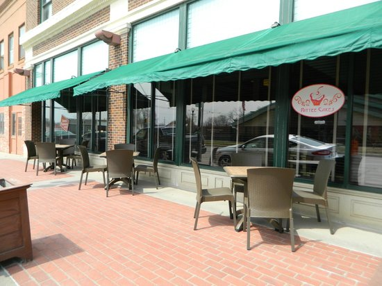 Hotel Pattee: Outdoor Seating