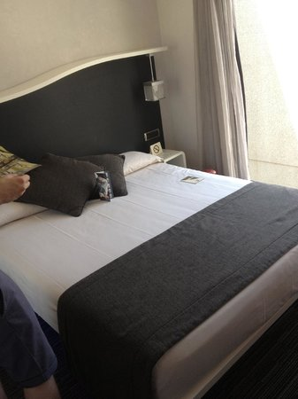 BEST WESTERN Premier Hotel Royal Santina: Large bed