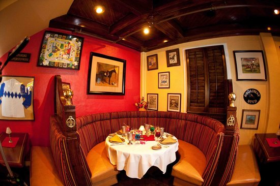 The Tack Room Bar Grill A Historic Texas Landmark