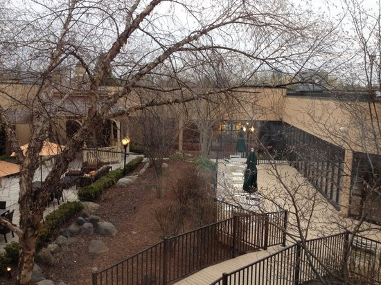 Courtyard Ann Arbor: View from room (Early morning)