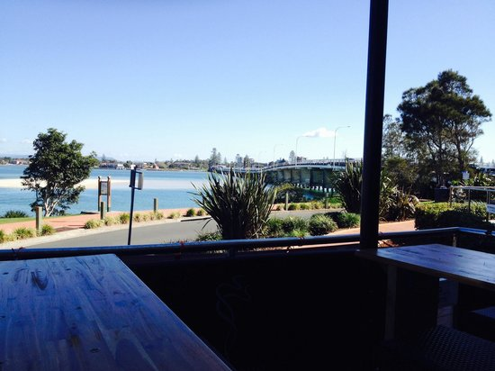 Finz Bar and Grill : Awesome view great ambience exceptional staff!!