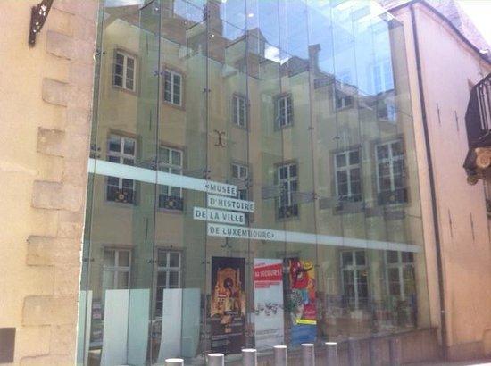 Musée d'Histoire de la Ville: Entrance of the museum