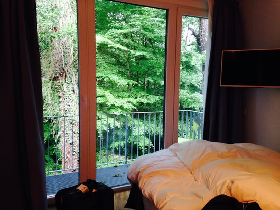 V-Hotel: Double room view