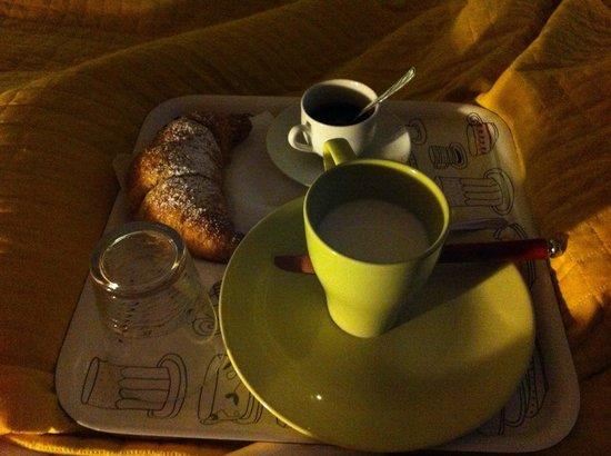 B&B La Bouganville : Colazione a letto!