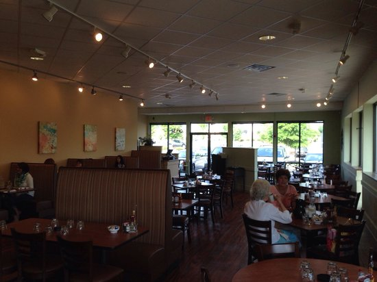 Photo of American Restaurant Le Peep at 3935 Pelham Rd Ste A, Greenville, SC 29615, United States