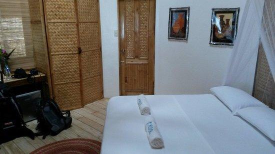 Cashew Grove Beach Resort : Room B02