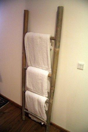 Babette Guldsmeden - Guldsmeden Hotels : Бамбуковые держатели полотенец