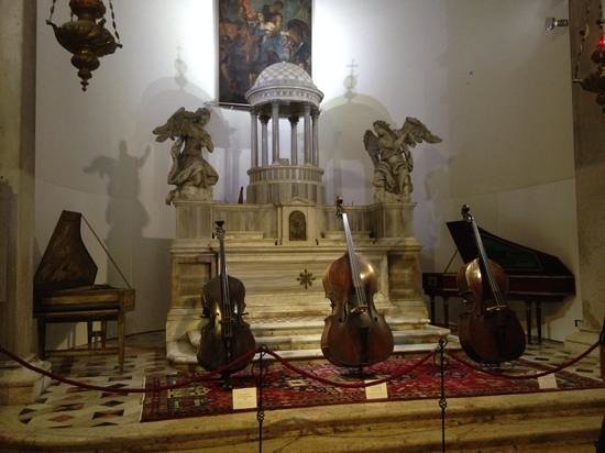 Museo della Musica : Beautiful Instruments Well Presented