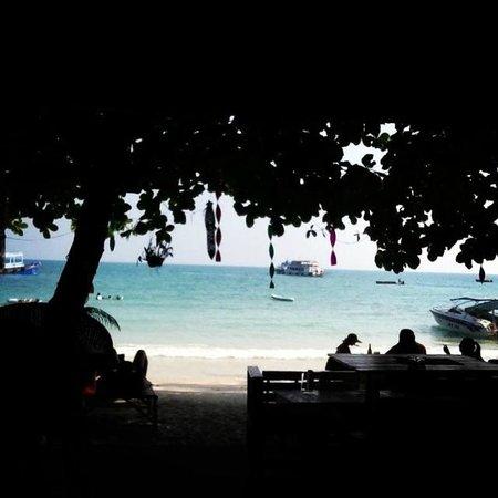 La Lune Beach Resort: looking straight