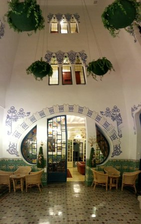 Hotel Diana : Enclosed Courtyard