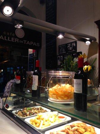 Taller de Tapas - Rambla Catalunya: seated at the counter
